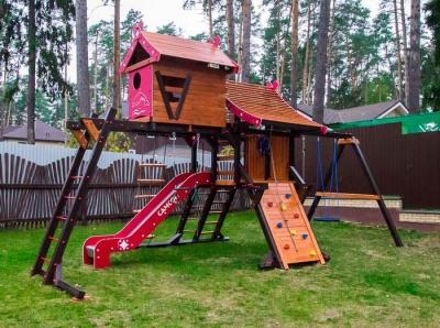 Детская площадка «Хижина» с рукоходом и мансардой