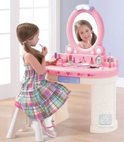 """Туалетный столик Step 2 """"Маленькая Барби"""""""