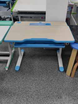 Комплект парта и стул FunDesk Lavoro (образец)