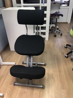 Коленный стул SmartStool KM01BМ Black (выставочный образец)