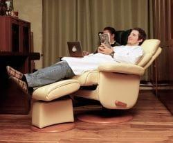 Кресло реклайнер Relax Master с механизмом качания